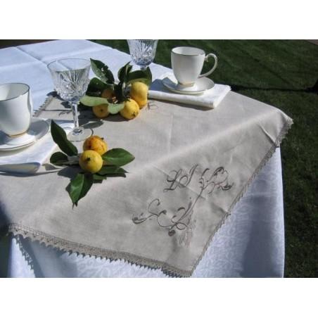 Lininė staltiesėle