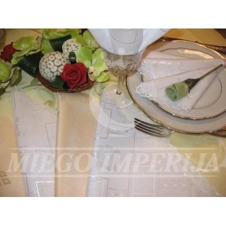 Dėmėms  atspari staltiesė
