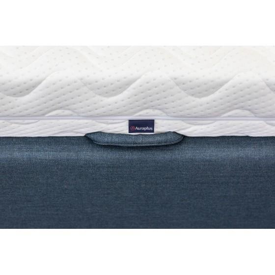 Dėl ypatingai pasiūtos ir tvirtos rankenos lengvesnis ir malonesnis lovos pakėlimas.